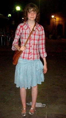 falda linda + camisa a cuadros.jpg