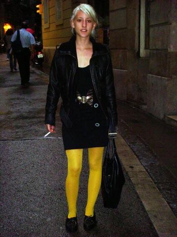 Medias_amarillas_cinturon_vintage