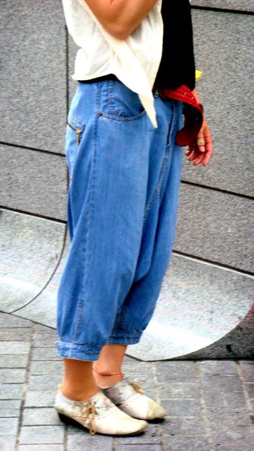 zapatos-y-jeans-doblados