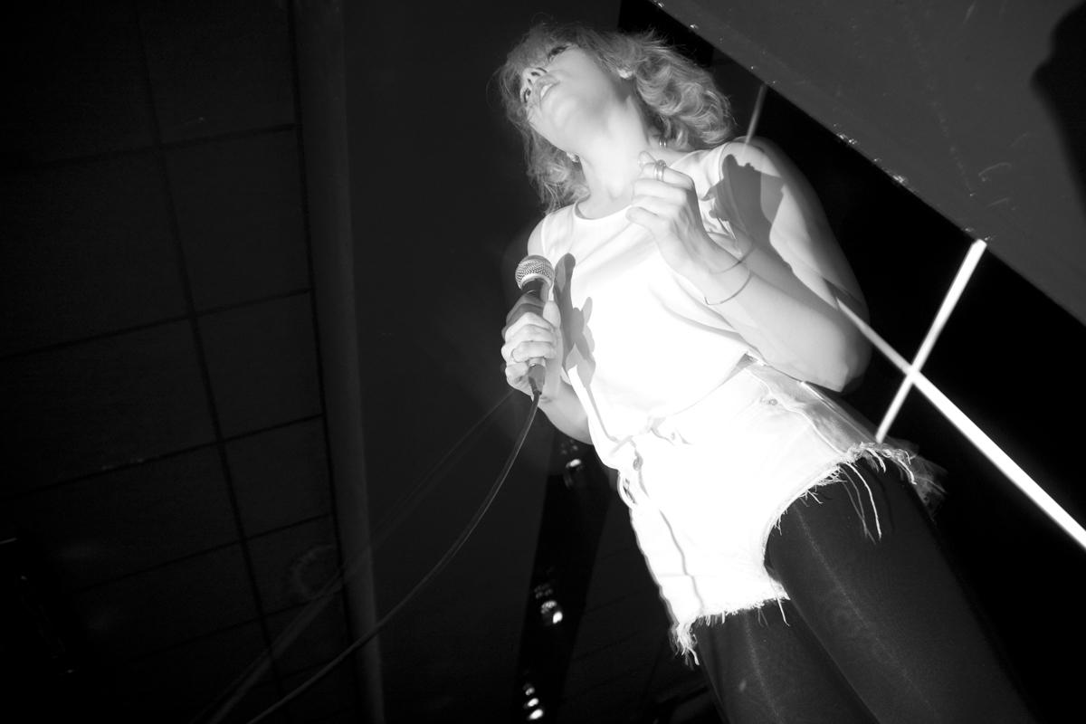Chew Lips y una frontman estupenda (Apolo 2, Barcelona)