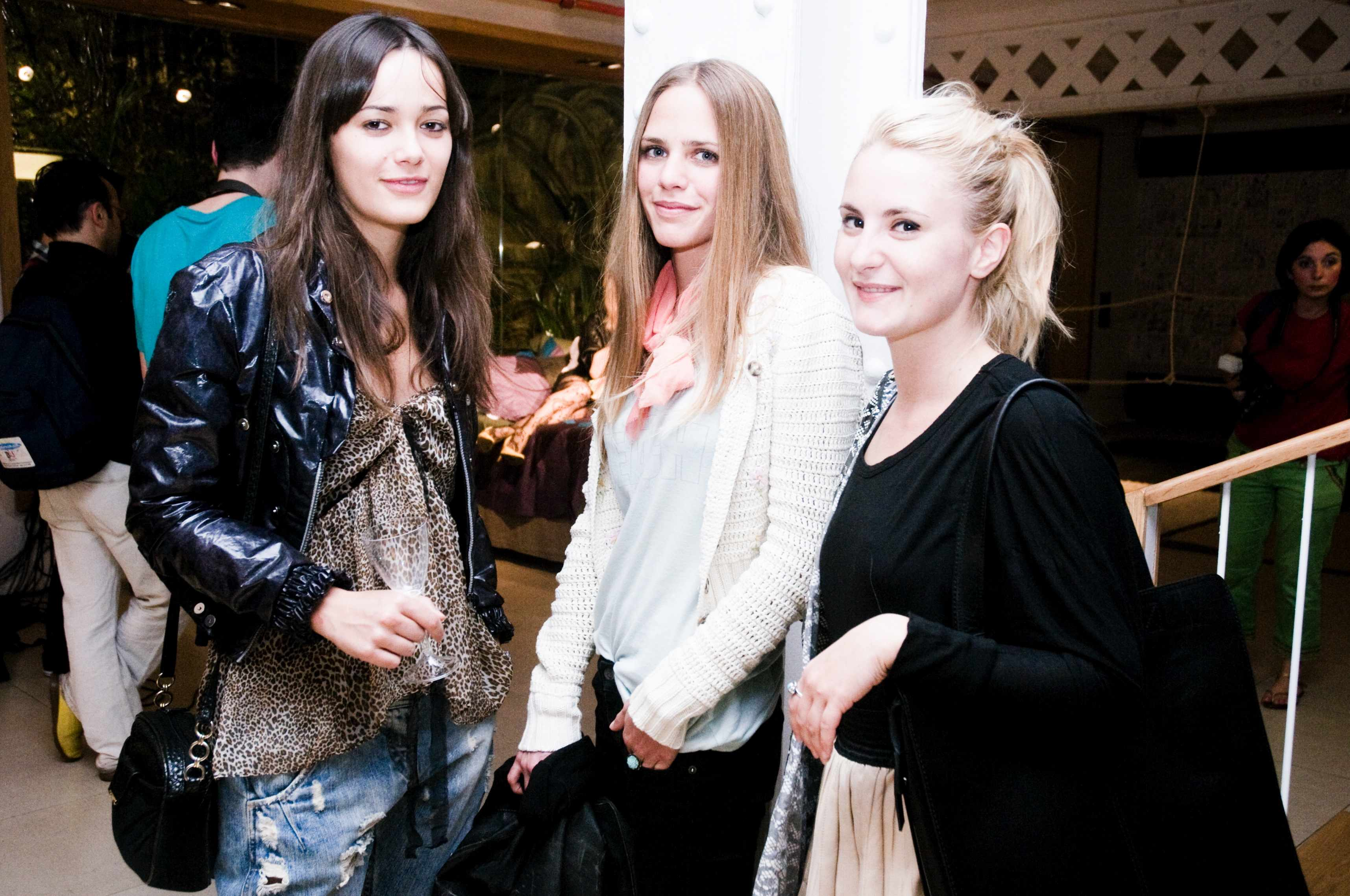 Girls (Fiesta Le Cool and Tendencias.tv)