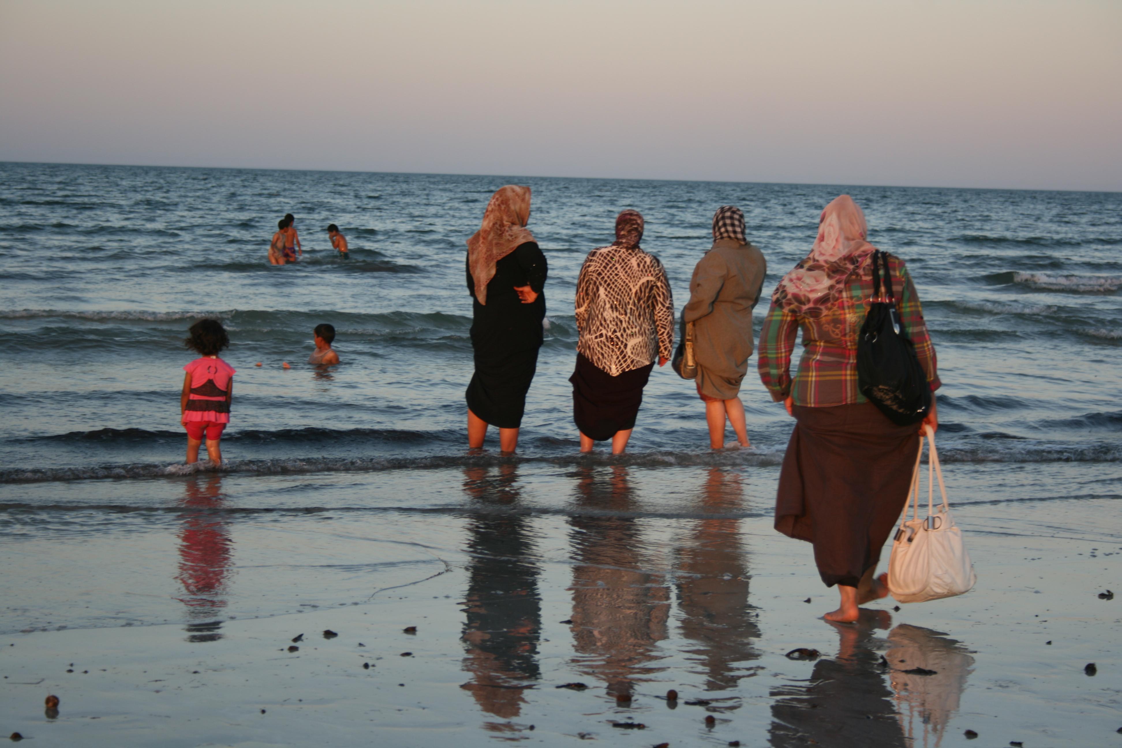 Take a break (Tunis)