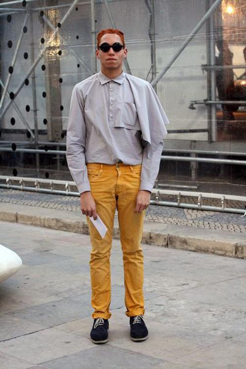 Asymetric boy (Lisboa)