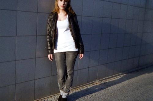 Girl next door (Barcelona)