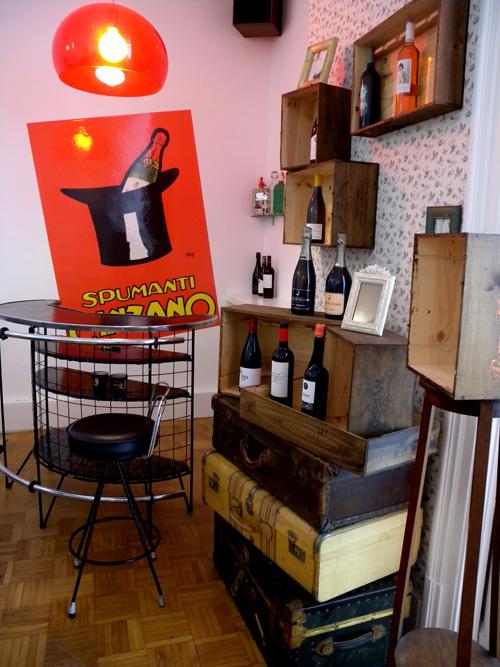 the corner y the vinos