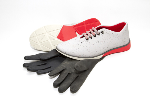 atrezzo postnuclear - acid rain con guantes usados