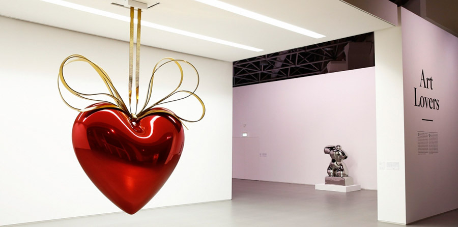 art-lovers-monaco-Hanging-Heart-Jeff-Koons