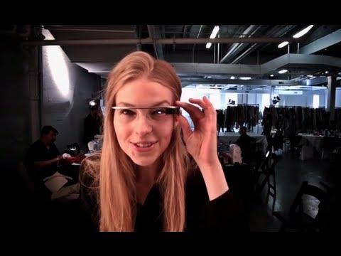 Diane Von Furstenberg y Glass de Google