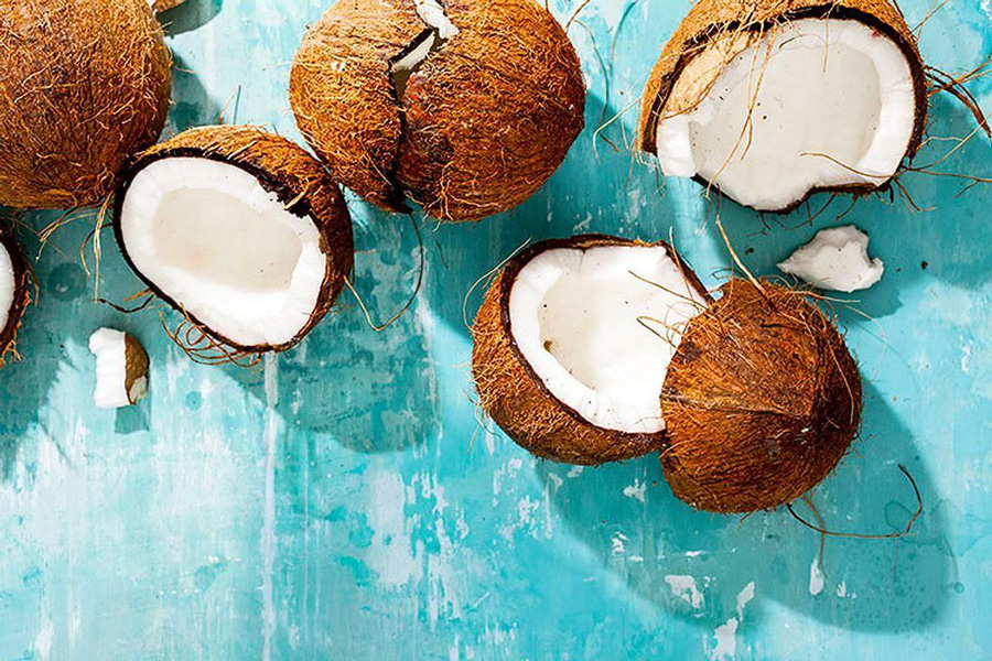 El coco verde: el resfresco que más alimenta