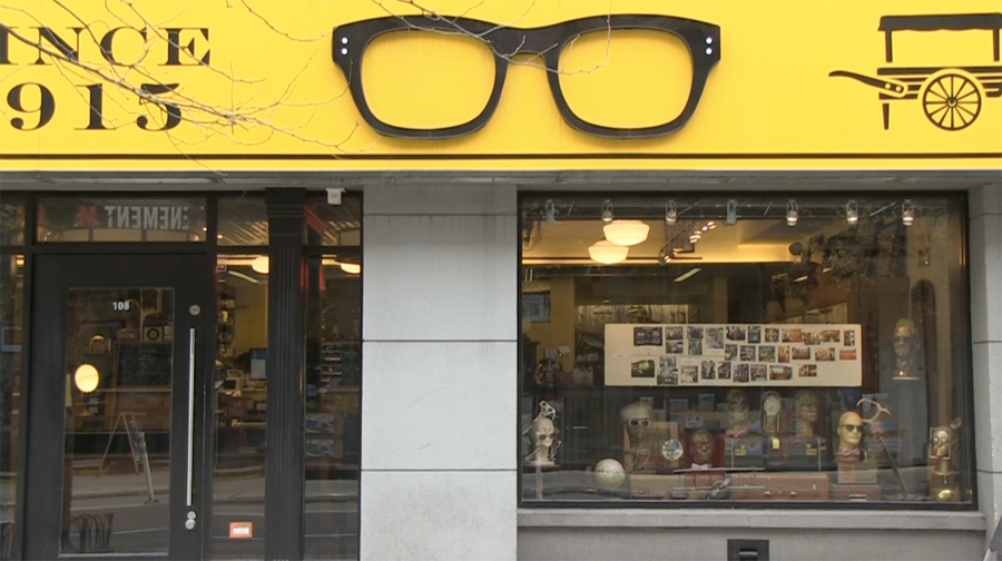 0406443a44b0 Moscot. Una óptica insignia en Lower East Side