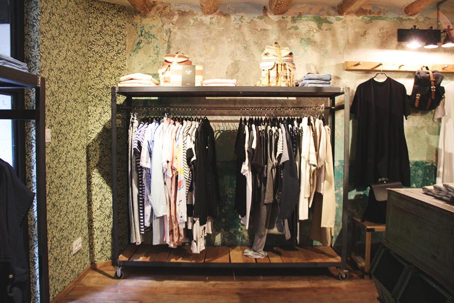 Trait-Store-11