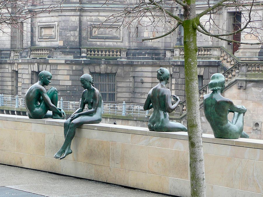 three-girls-and-a-boy-berlin