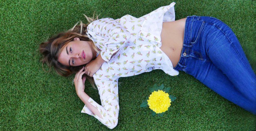 Marymood tumbada flor