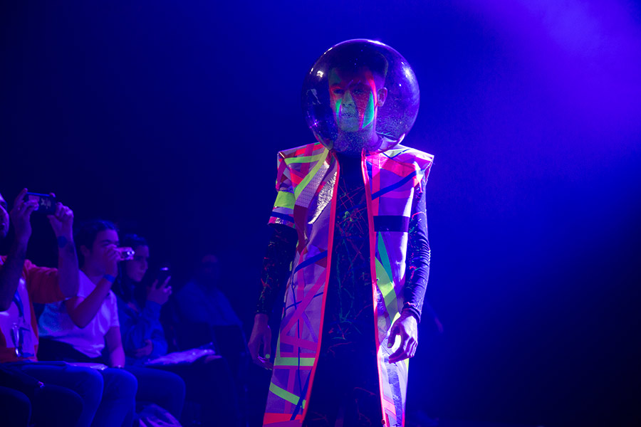 yomo desfile ecocyborg moda tecnologia