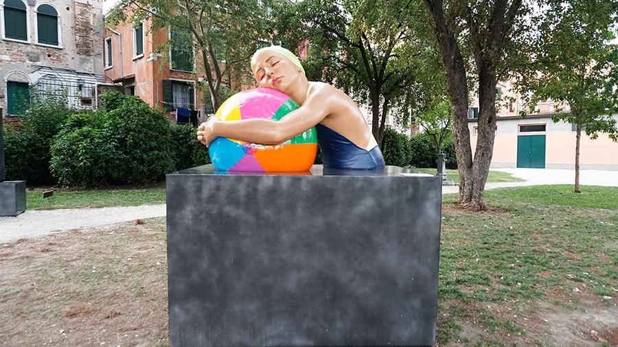 La escultura hiperrealista de Carole A. Feuerman