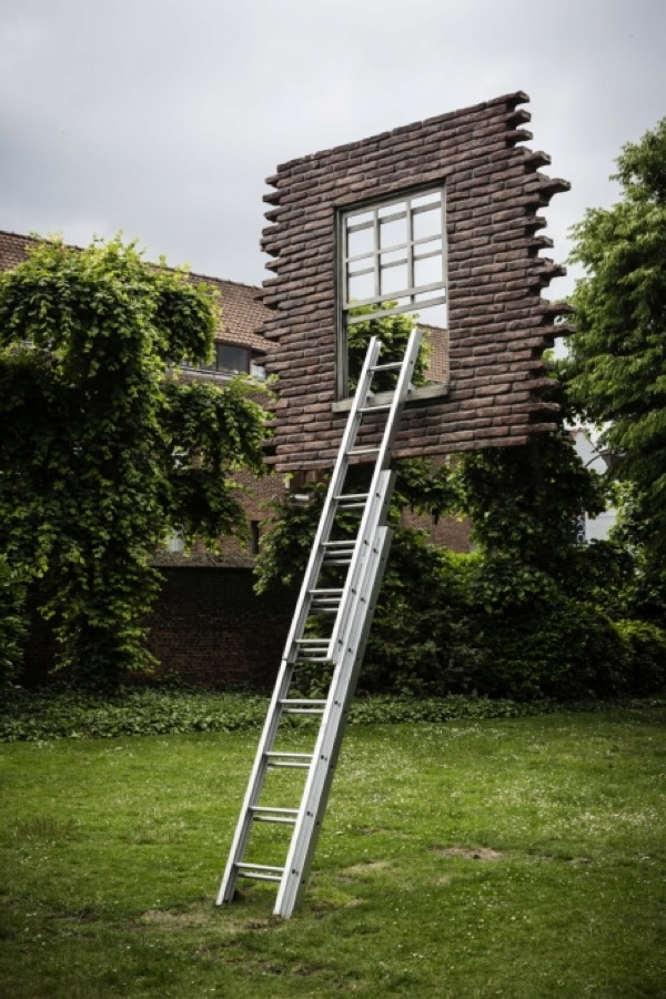 Leandro Erlich window