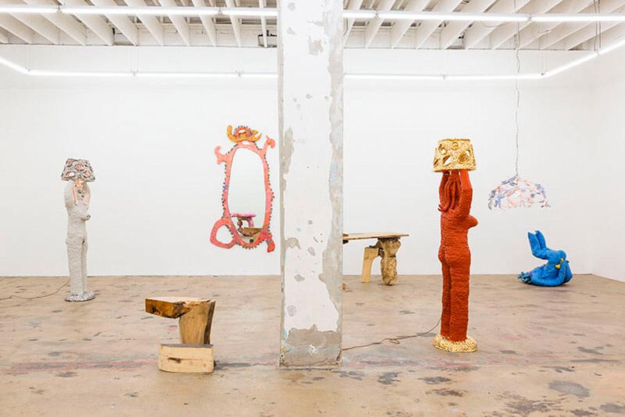 Katie Stout, diseñadora de muebles que contagian alegría