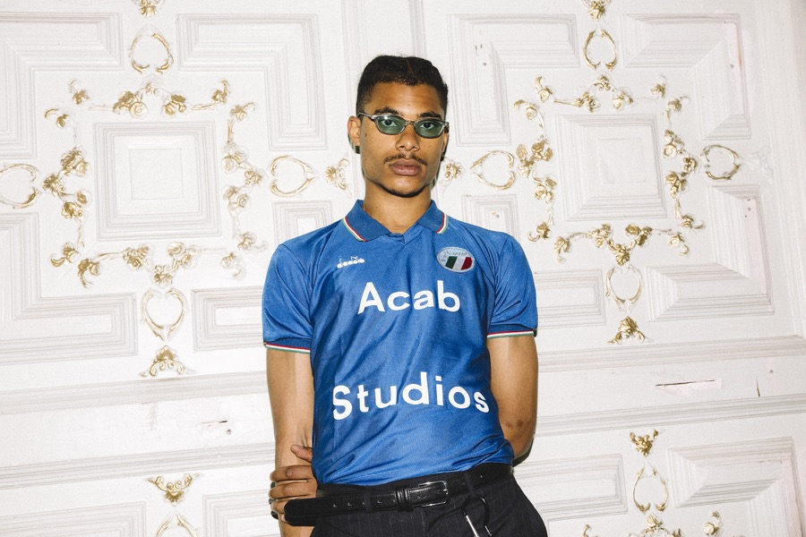les vetements de football italy