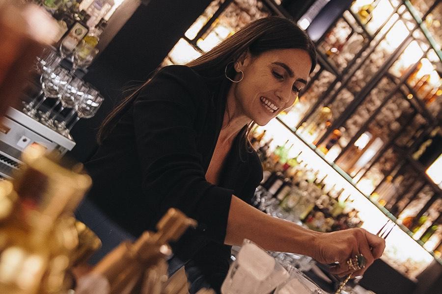 De copas con Mona Gallosi