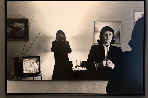 ¿Nos damos una vuelta por el porno chic del fotógrafo Helmut Newton?