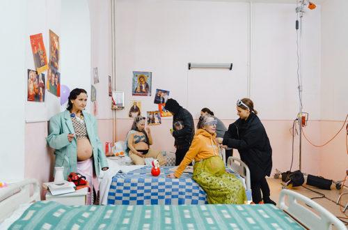 ¿Y si pudiéramos ser madres a los 60? GRANDmothers de Anna Radchenko